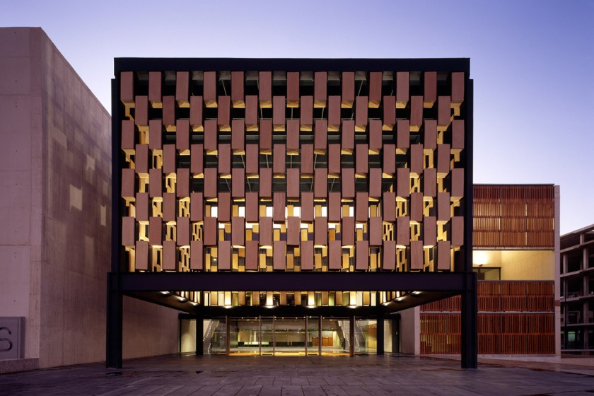 Img 5. Fotógrafo: Roland Halbe. Premio Arquitectura. III Premios Cerámica ASCER