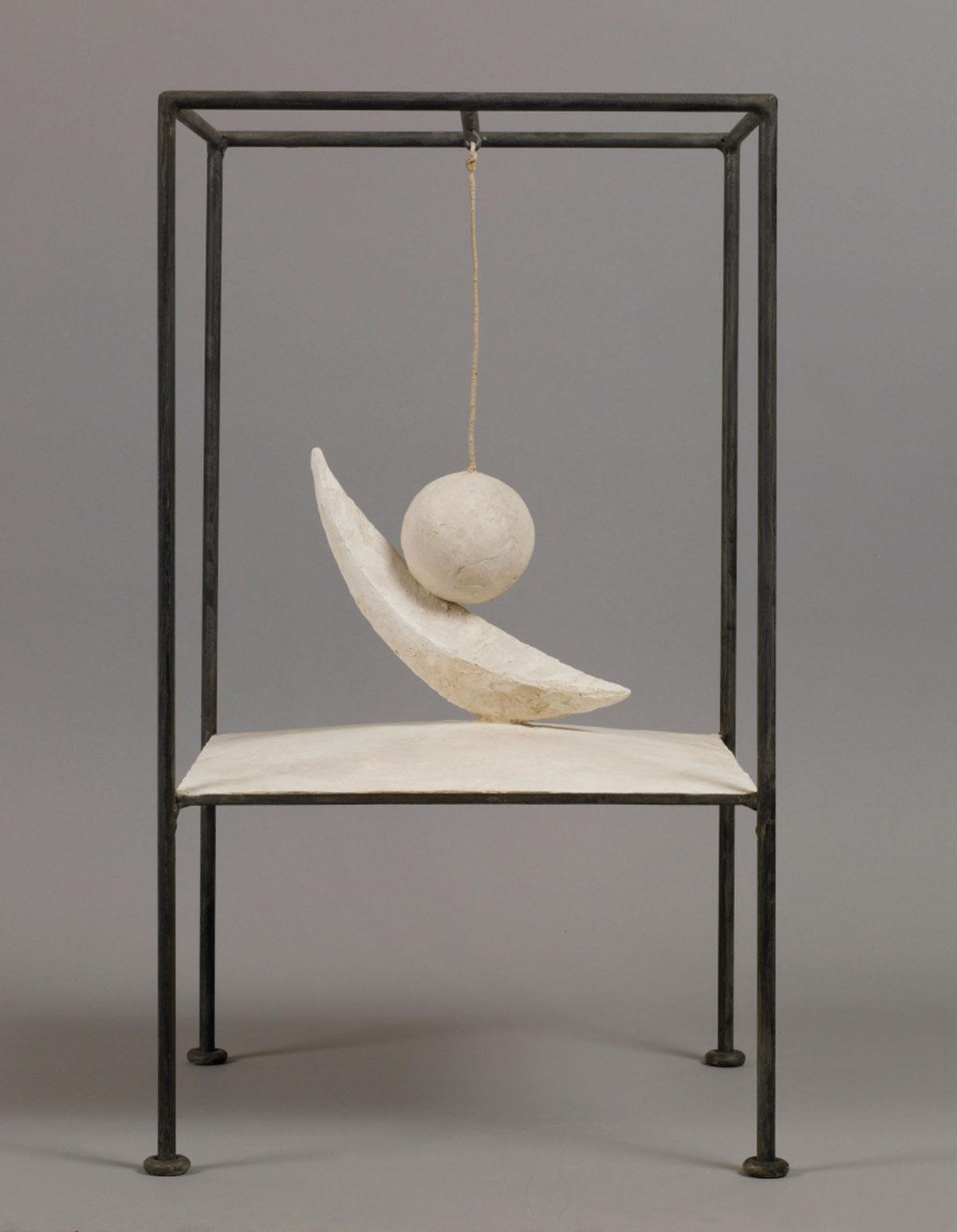 Suspended Ball 1930-1931 Plaster and metal 60.6 x 35.6 x 36.1 cm Collection Fondation Alberto et Annette Giacometti, Paris © Alberto Giacometti Estate, ACS/DACS, 2017