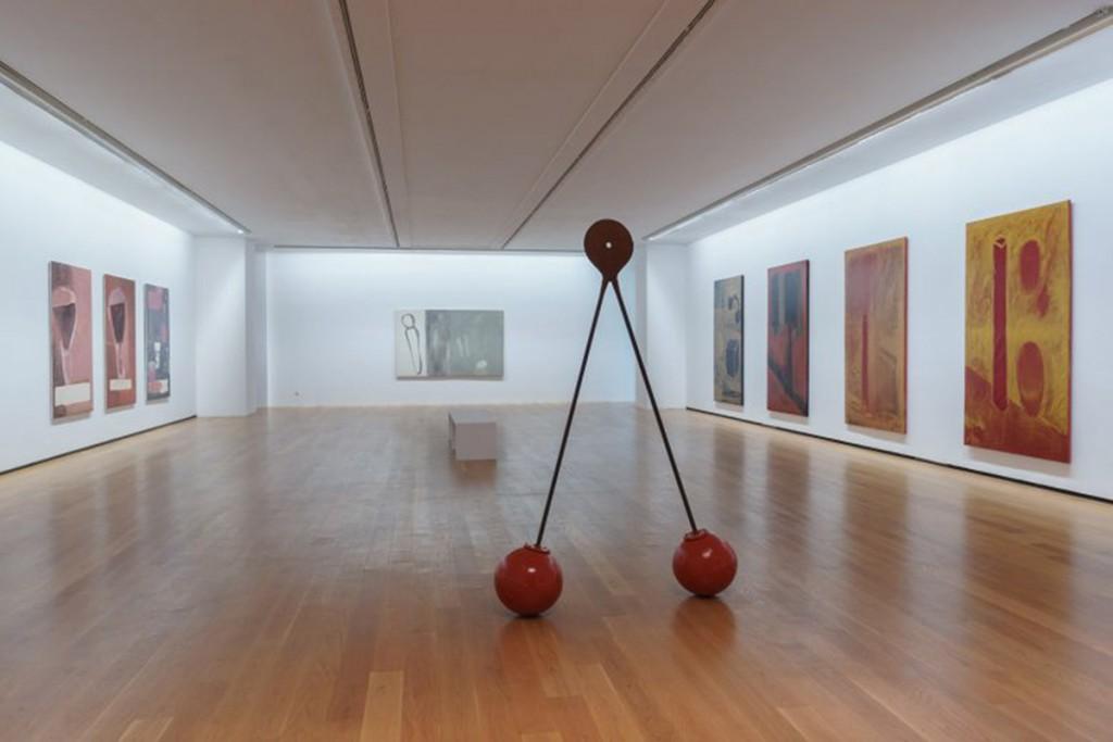 Vista de la sala de exposición, con obras de la serie Cereixas (1990-1992) Foto: cortesía ©MARCO Vigo/Enrique Touriño