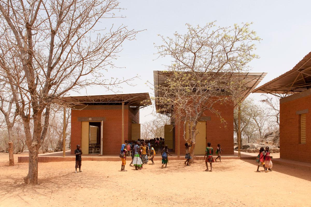 Opera Village, Laongo, Burkina Faso (2010-en curso) © Erik-Jan Ouwerkerk