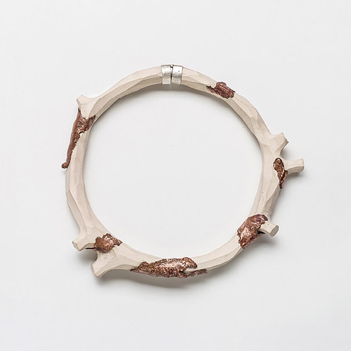 conexiones-entre-joyeria-y-ceramica-nuevas-formulas-de-colaboracion-entre-ceramistas-y-joyeros-01